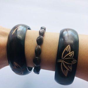 Lot of wide brown bronze bangle bracelets